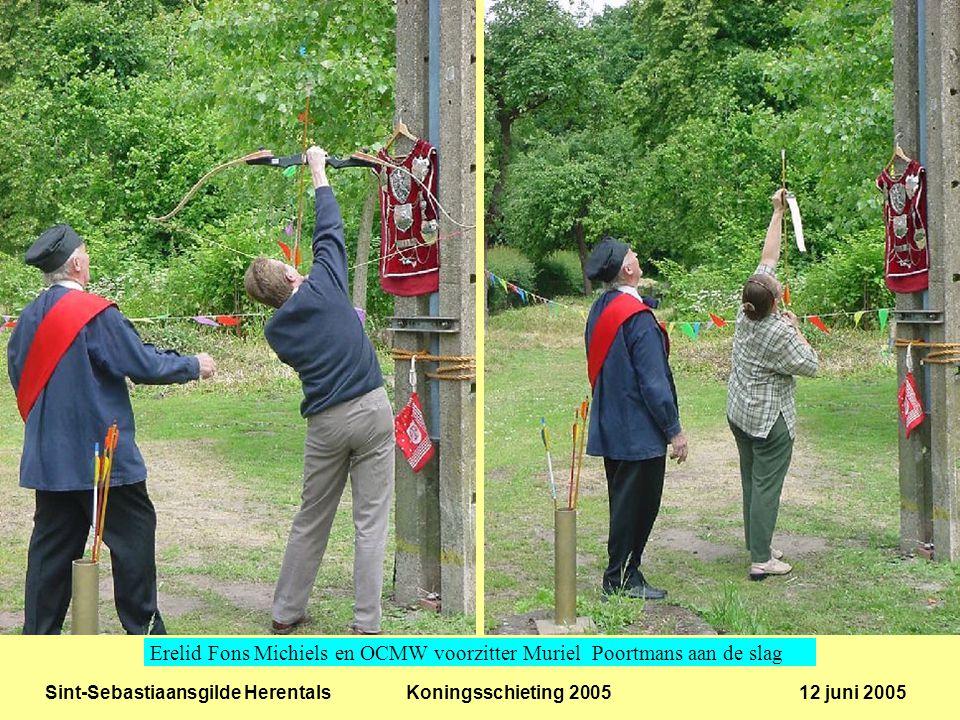 Sint-Sebastiaansgilde Herentals Koningsschieting 2005 12 juni 2005 De oude koning Mark Dankers bij een van zijn voorkeurschoten.
