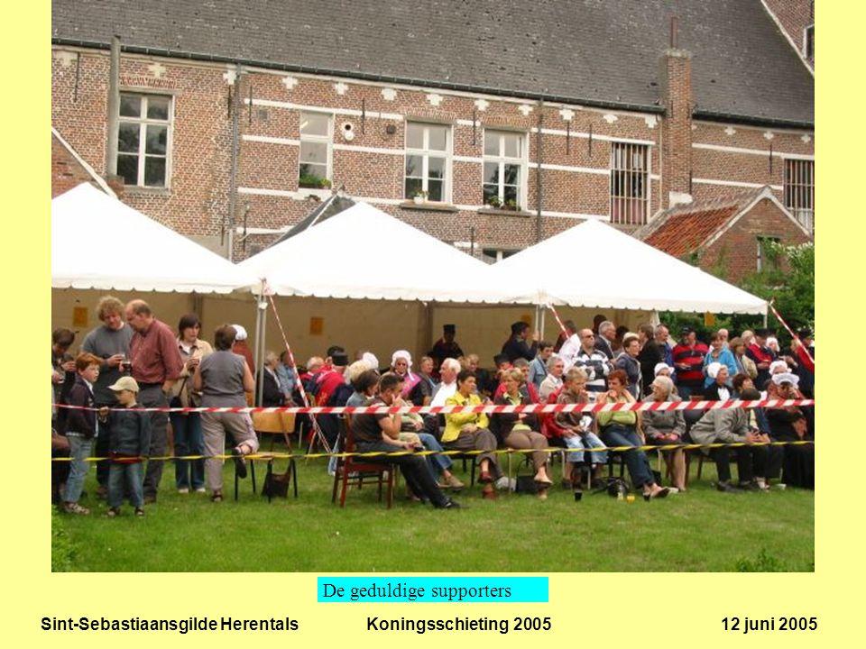Sint-Sebastiaansgilde Herentals Koningsschieting 2005 12 juni 2005 De nieuwe koning bij het begin van de aanstellingsceremonie