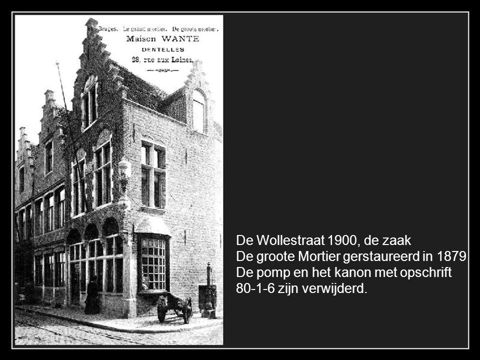 Een hoekje van de Rozenhoedkaai in 1901 met dagelijkse groentemarkt (toen groenmarkt genoemd). Nu heet ze Pandreitje.