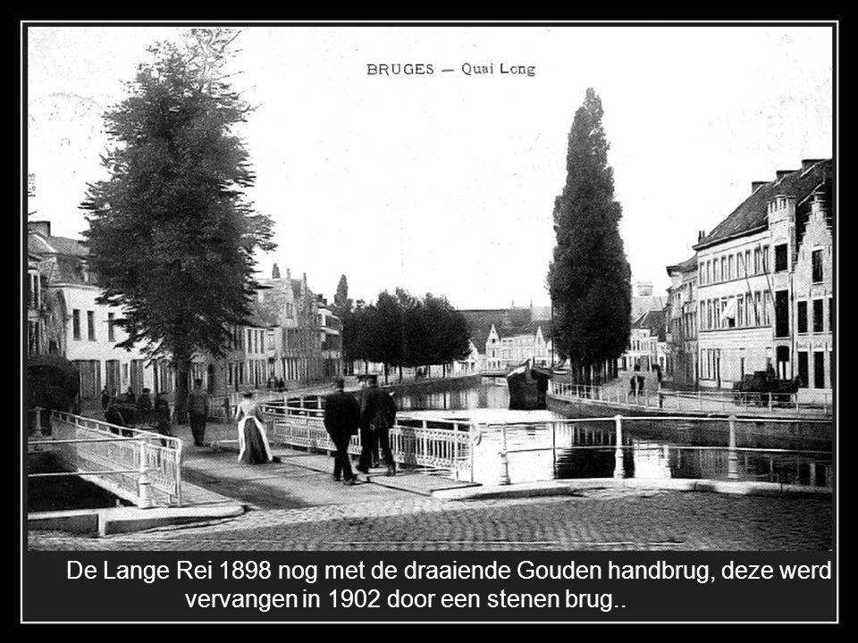 1898 Lange Rei, stoomboten en soms zeilschepen leggen hier aan.