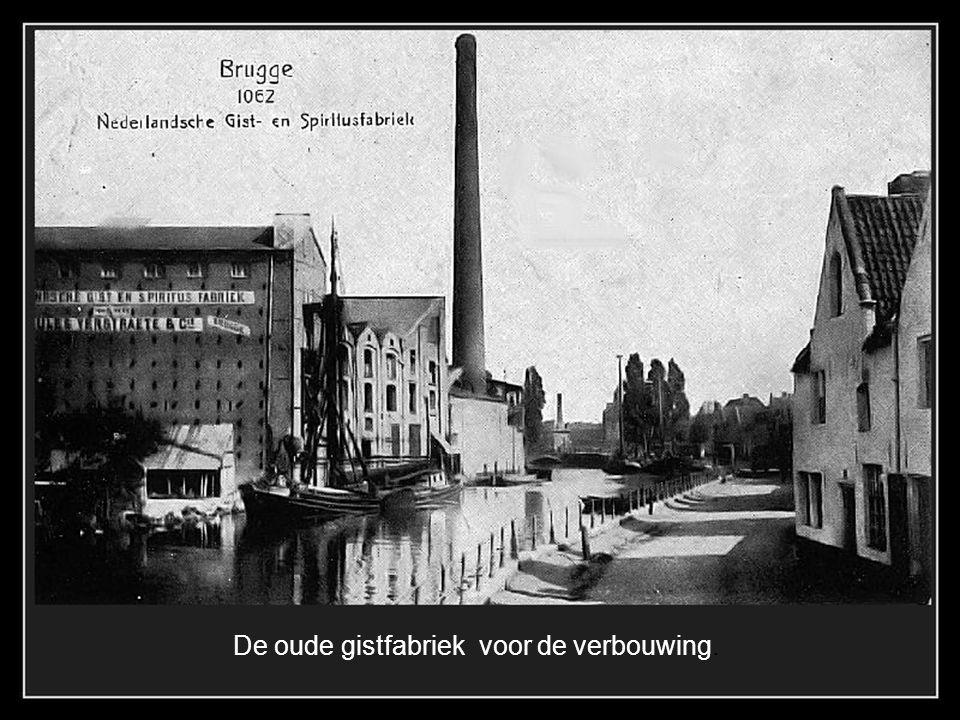 De Begijnenvest aan de Boeveriepoort in 1895. Het kleine spoorwegbrugje is nu de uitval van de auto's naar de autosnelweg.