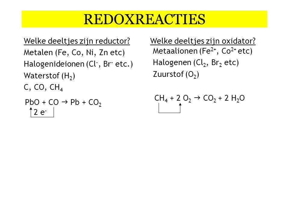 Halfreactie opstellen: NO 2 -  N 2 Stap 1:Noteer oxidator en reductor Stap 2:Maak element kloppend Stap 3:Maak O en H kloppend met H 2 O, H + of OH - afhankelijk van het milieu 2+ 4H 2 O+ 8 H + + 6e - Vraag 5: nitriet omzetten in stikstofgas in zuur milieu Stap 4:ladingbalans