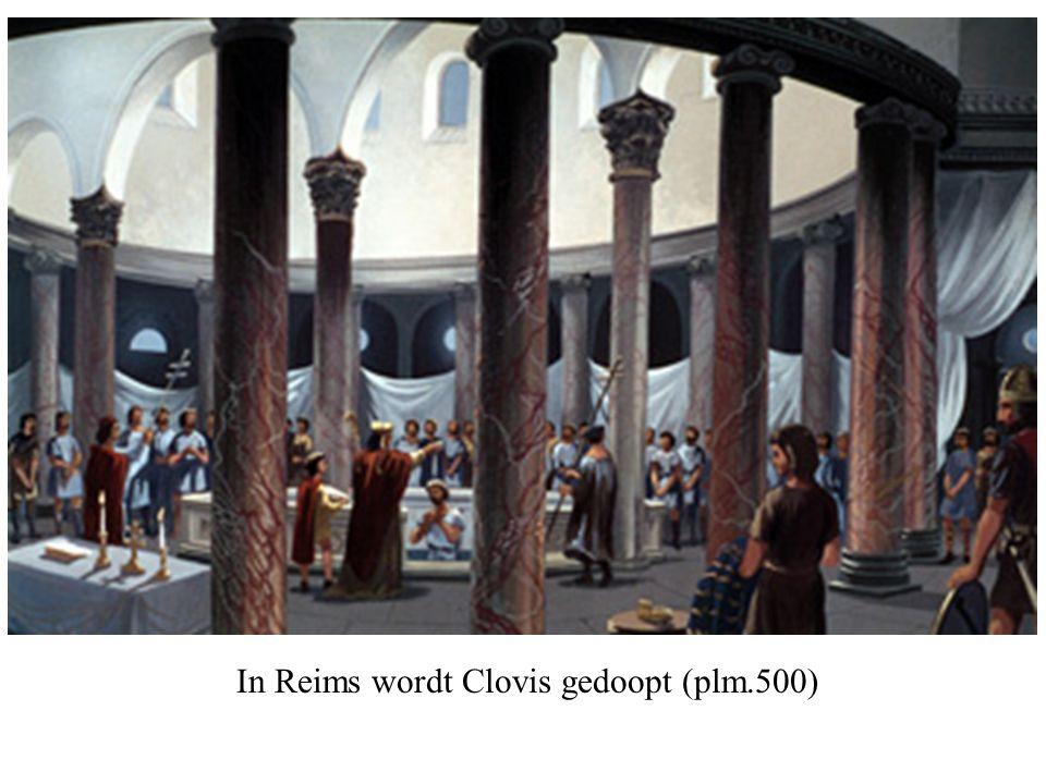 In Reims wordt Clovis gedoopt (plm.500)