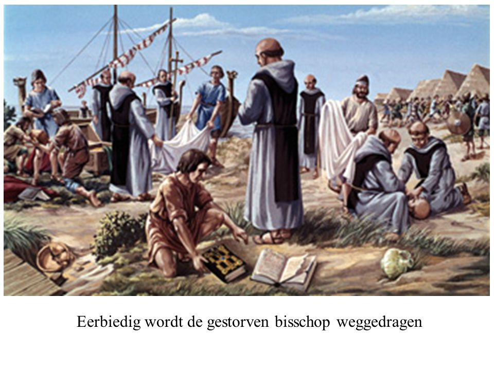 Eerbiedig wordt de gestorven bisschop weggedragen