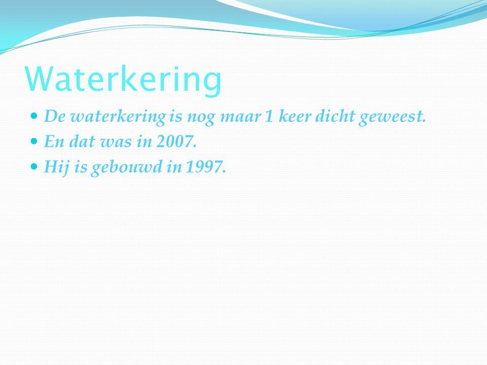Hoe hoog het water staat.In 1953 is Nederland overstroomt,ze zijden dat mag nooit meer gebeuren.