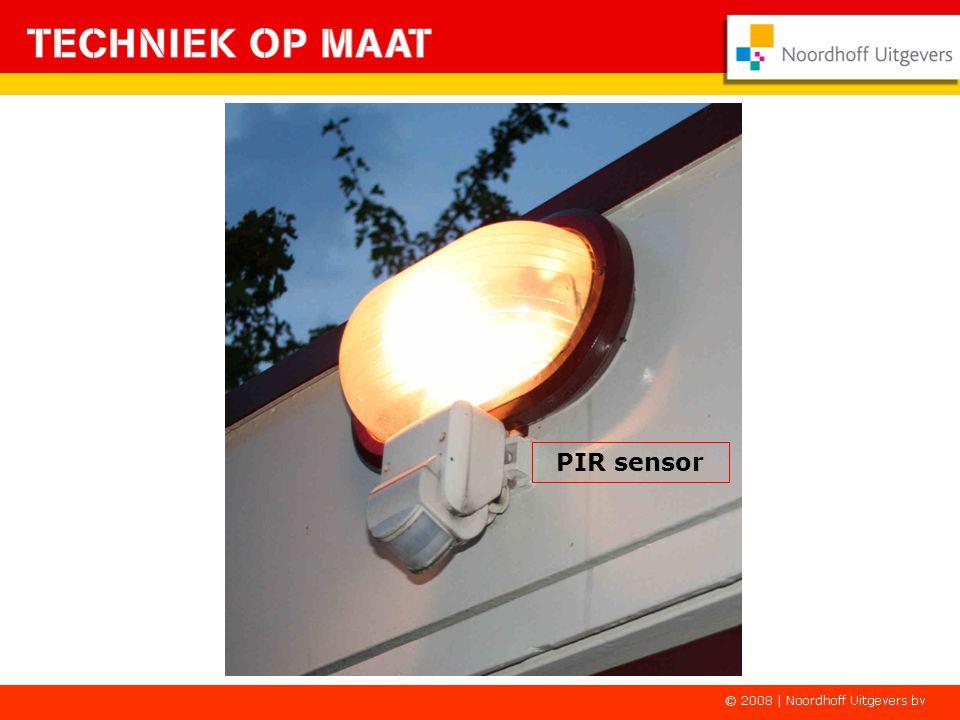 PIR sensor Alle ramen en buitendeuren zijn beveiligd met een PIR bewegingsdetector.