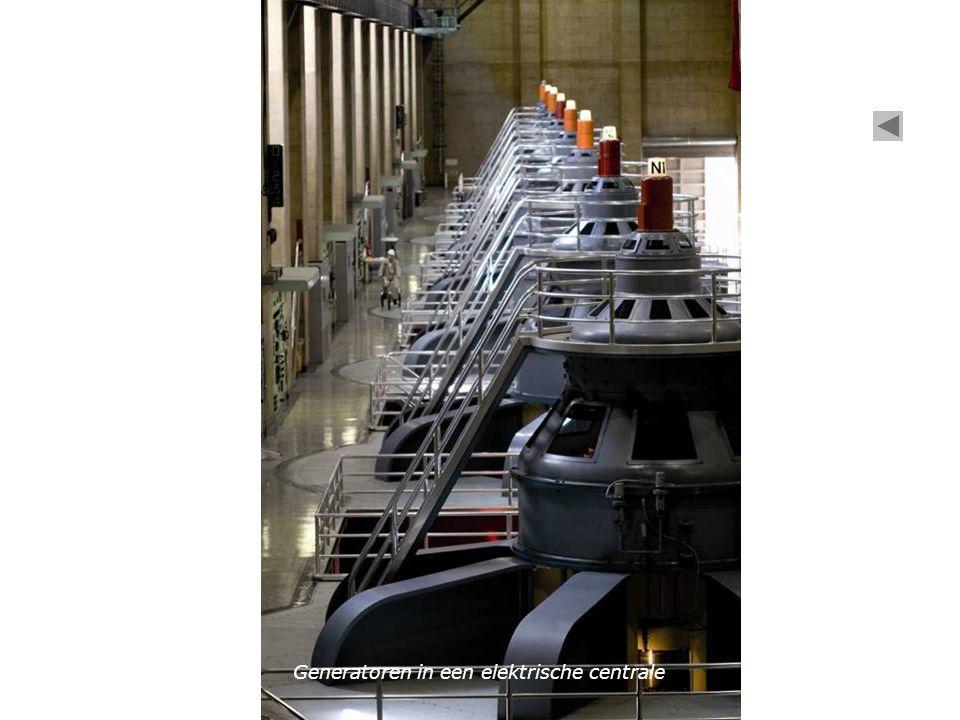 Generatoren in een elektrische centrale