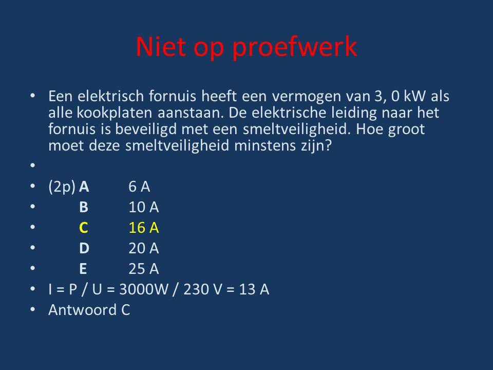 Niet op proefwerk Een elektrisch fornuis heeft een vermogen van 3, 0 kW als alle kookplaten aanstaan. De elektrische leiding naar het fornuis is bevei