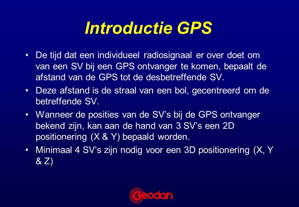 De tijd dat een individueel radiosignaal er over doet om van een SV bij een GPS ontvanger te komen, bepaalt de afstand van de GPS tot de desbetreffende SV.
