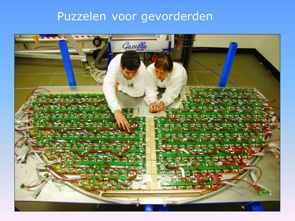 bundel 1 De Atlas detector doet het blok koper Atlas detector was operationeel tijdens LHC start-up Voor-aanzicht Zij-aanzicht