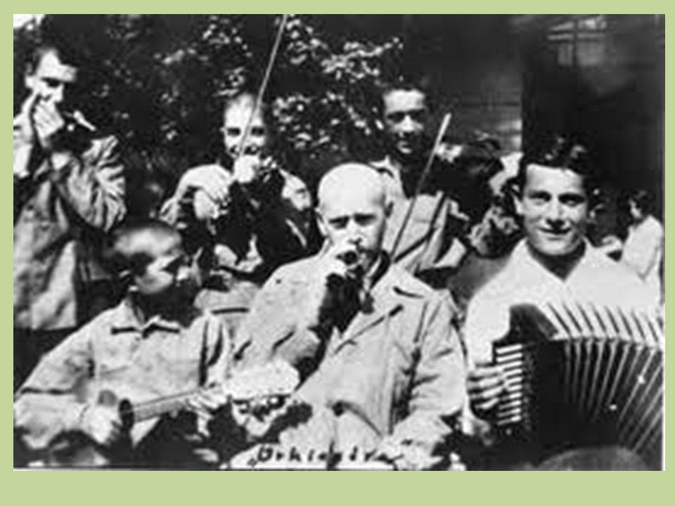 Janusz Korczak en de speelse pedagogiek Janusz Korczak, wie was die man.