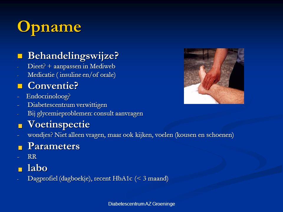 Diabetescentrum AZ Groeninge Injectietechniek bij insuline inspuiting 2 injecties: 2 injecties: in de buik 1 week links, 1 week rechts 4 injecties: 4 injecties: snelwerkende in de buik traagwerkende in de buik of de dij Naaldlengte Naaldlengte 5 of 8 mm = 30 en 50 E spuit 5 of 8 mm = 30 en 50 E spuit ≥ 8mm: altijd huidplooi = 100 E Spuit