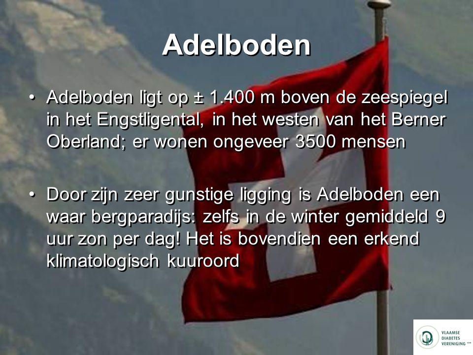 Adelboden Adelboden ligt op ± 1.400 m boven de zeespiegel in het Engstligental, in het westen van het Berner Oberland; er wonen ongeveer 3500 mensen Door zijn zeer gunstige ligging is Adelboden een waar bergparadijs: zelfs in de winter gemiddeld 9 uur zon per dag.