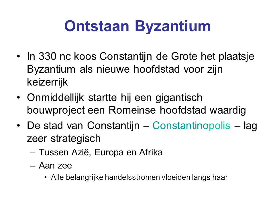 Ontstaan Byzantium In 330 nc koos Constantijn de Grote het plaatsje Byzantium als nieuwe hoofdstad voor zijn keizerrijk Onmiddellijk startte hij een g
