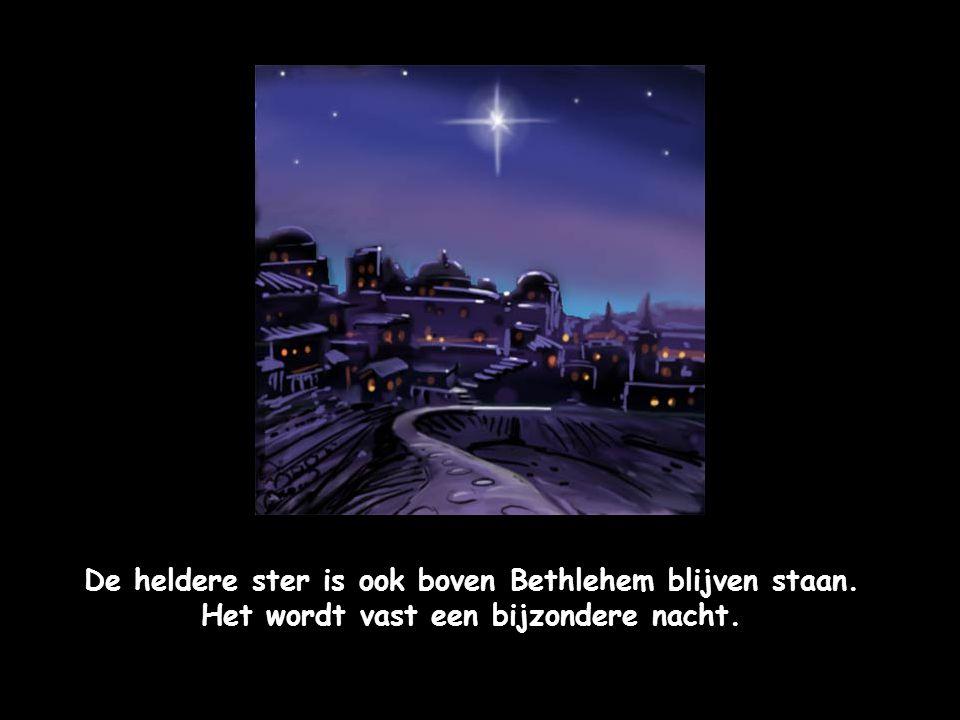 Jozef en Maria zijn eindelijk in Bethlehem aangekomen. Nu nog een slaapplaats zoeken. Maar dat is niet erg gemakkelijk.