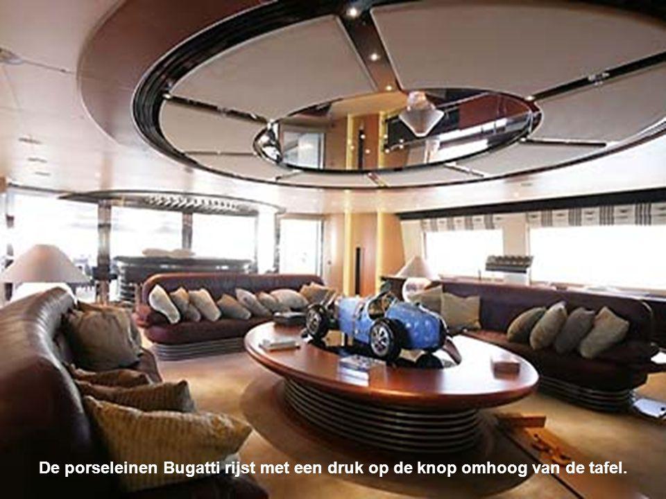 Perkins verkocht zijn geliefde Bugatti om de bouw van dit jacht te helpen financieren.