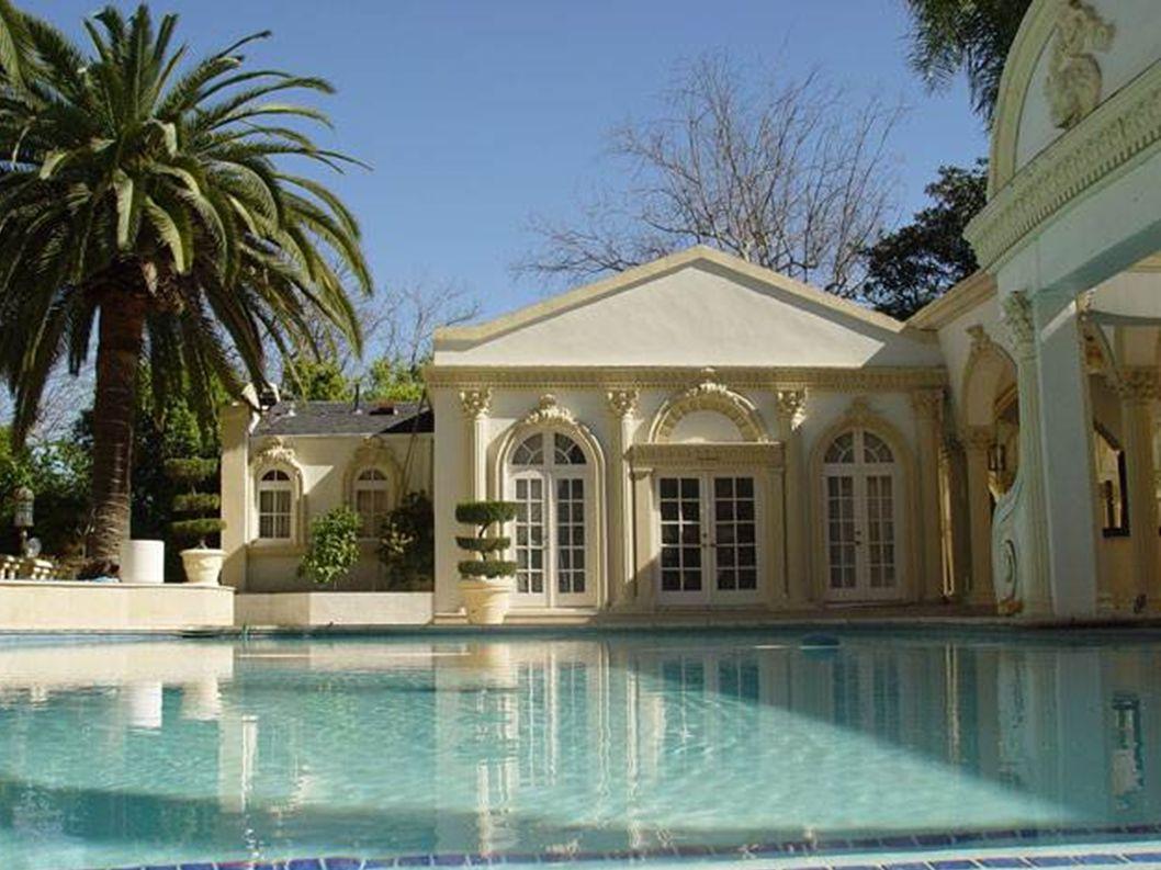 Dit huis staat in Zimbabwe, In de stad Harare, en behoort...