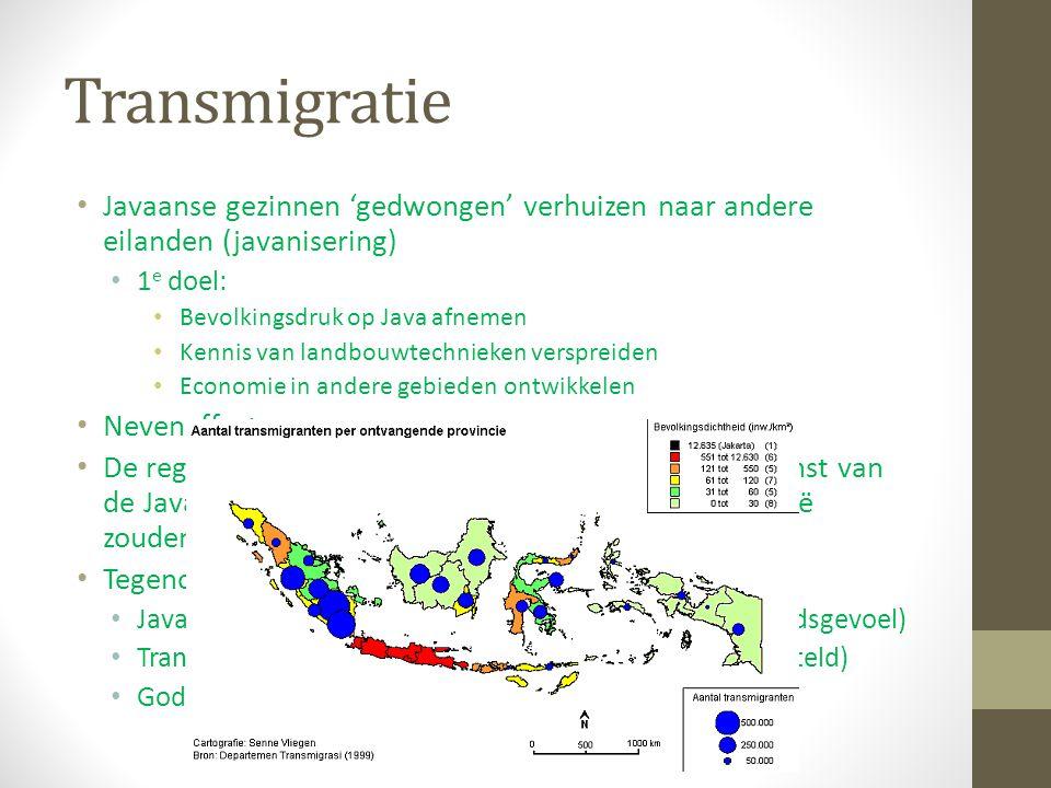 Transmigratie Javaanse gezinnen 'gedwongen' verhuizen naar andere eilanden (javanisering) 1 e doel: Bevolkingsdruk op Java afnemen Kennis van landbouw