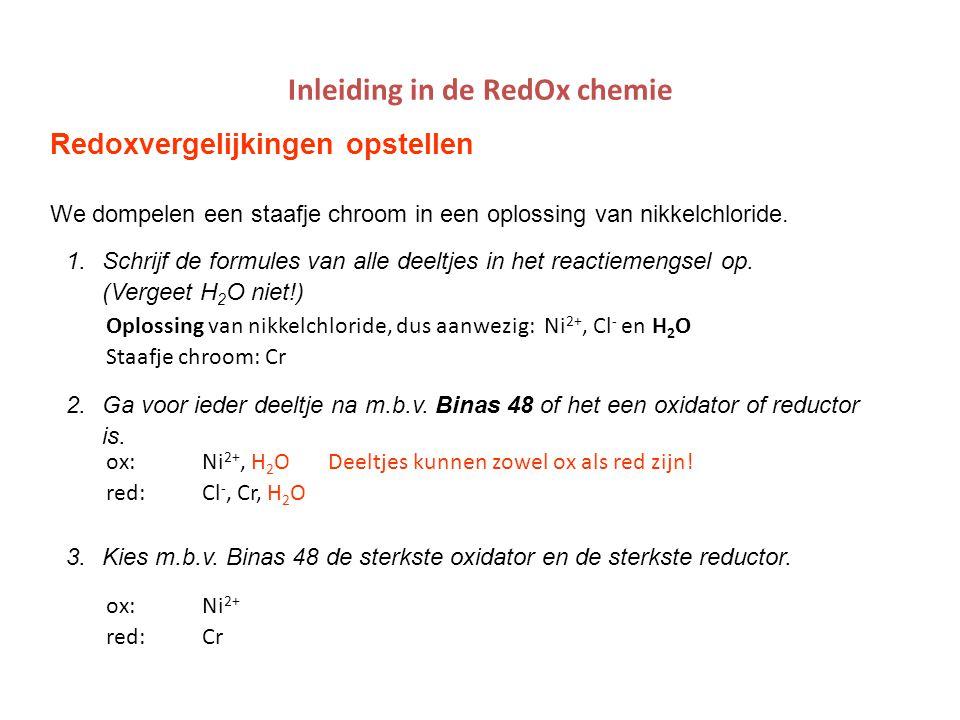 mlavd@BCEC18 Redox: Wet van Nernst Bv: Cu staaf in 0,1M Cu 2+ en Zn staaf in 0,5M Zn 2+ oxred Cu 2+ Zn Zn 2+ Cu H2OH2OH2OH2O Ox 0,1M Cu 2+ : Cu 2+ + 2 e -  Cu (s) 0,5M (s)  1 Red Zn/0,5M Zn 2+ : Zn (s)  Zn 2+ +2 e - 0,1M (s)  1 V ox = 0,34 + 0,059/2 * log 0,1 = 0,31 V V red = -0,76 + 0,059/2 * log 0,5 = -0,77 V V bron = V ox - V red = 0,31 – (-0,77) = 1,08 V