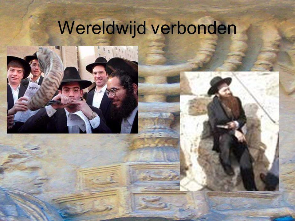 2) Liberale joden: –Grootste religieuze groep binnen Jodendom –Hanteren de regels veel minder strikt –Liberale joden zijn veel meer aangepast aan het land en de cultuur waar in ze wonen