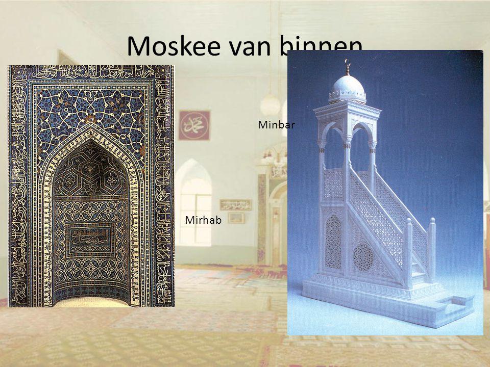 Moskee van binnen Mirhab Minbar
