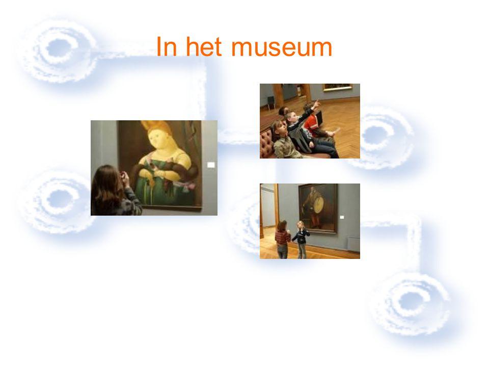 In het museum