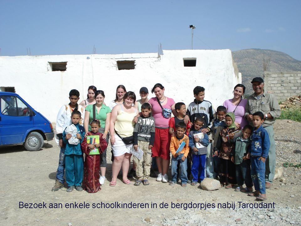 Bezoek aan enkele schoolkinderen in de bergdorpjes nabij Taroudant