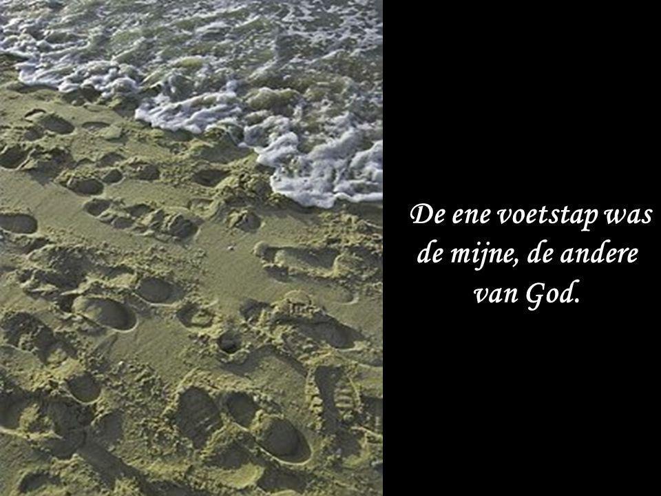 De ene voetstap was de mijne, de andere van God.