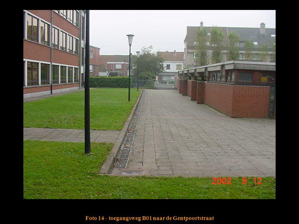 Foto 14 - toegangsweg B01 naar de Gentpoortstraat