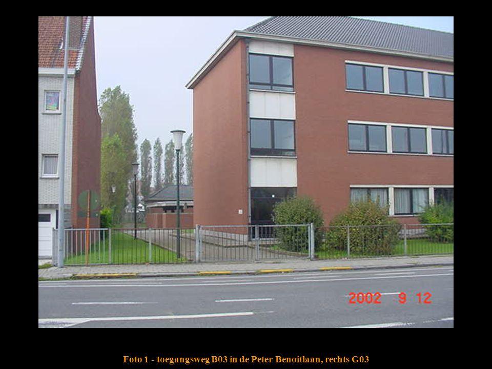 Foto 1 - toegangsweg B03 in de Peter Benoitlaan, rechts G03
