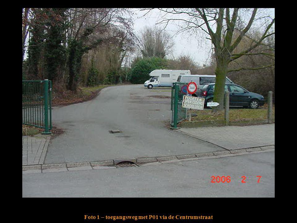 Foto 1 – toegangsweg met P01 via de Centrumstraat