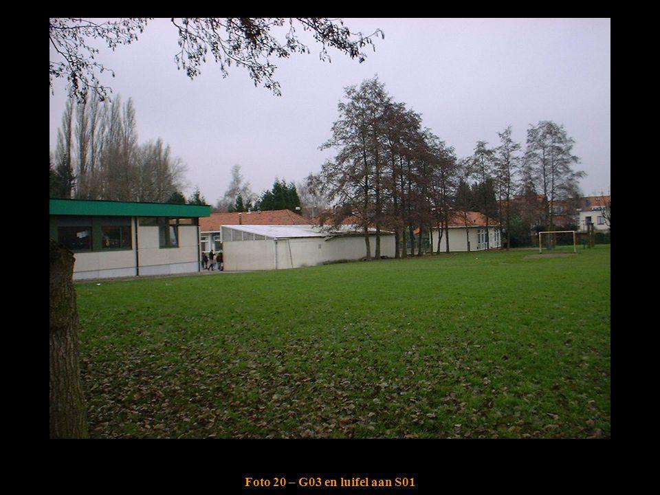 Foto 20 – G03 en luifel aan S01