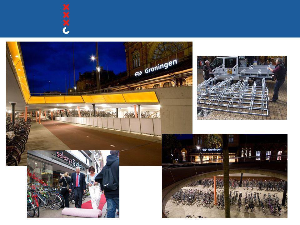 Langs de route Koningsplein  Verblijfsruimte, alles al vol  Proef met 'omgekeerd' fietsvak  Handhaving voor de bibliotheek  Fietsvakken voor winkels  Vergelijkbaar met situatie Muntplein: teveel fietsen, te weinig ruimte.