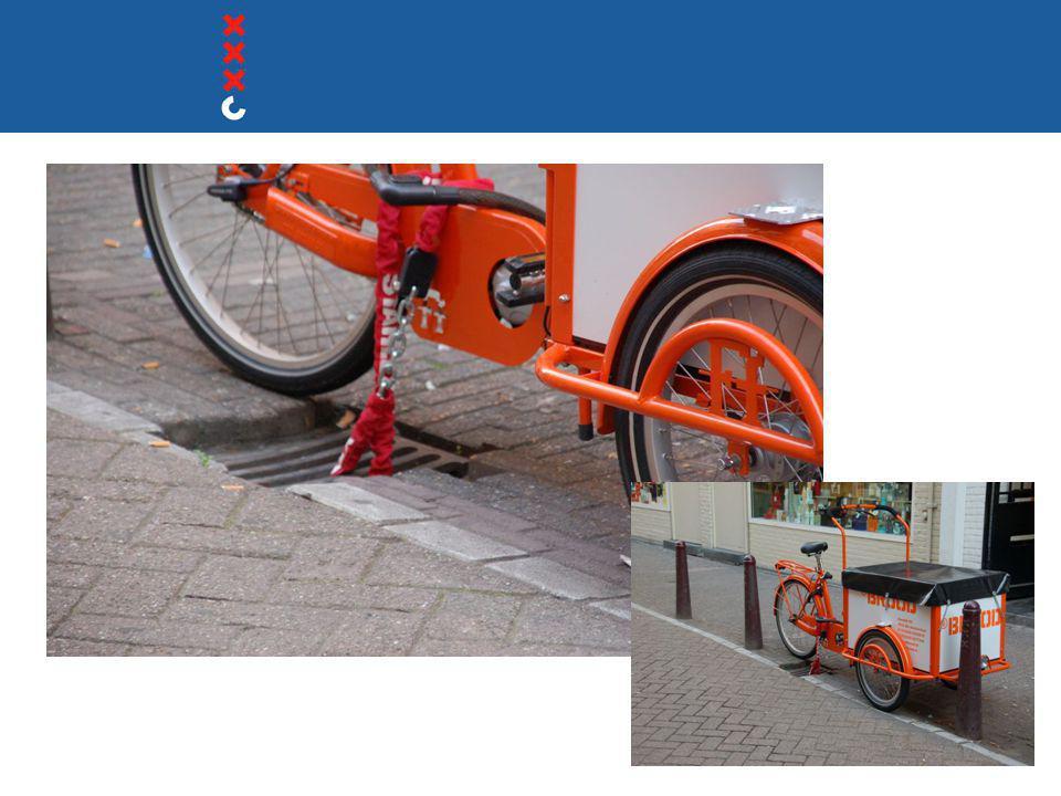 Plan van Aanpak fietsparkeren  Visie langere termijn (netwerk fietsenstallingen)  Inzet van instrumenten (voorzieningen, communicatie, handhaving)  Werkwijze (trapsgewijze inzet instrumenten) Vastgesteld door dagelijks bestuur stadsdeel Centrum 28 oktober 2008 Resultaat:  31 concrete acties voor de komende periode