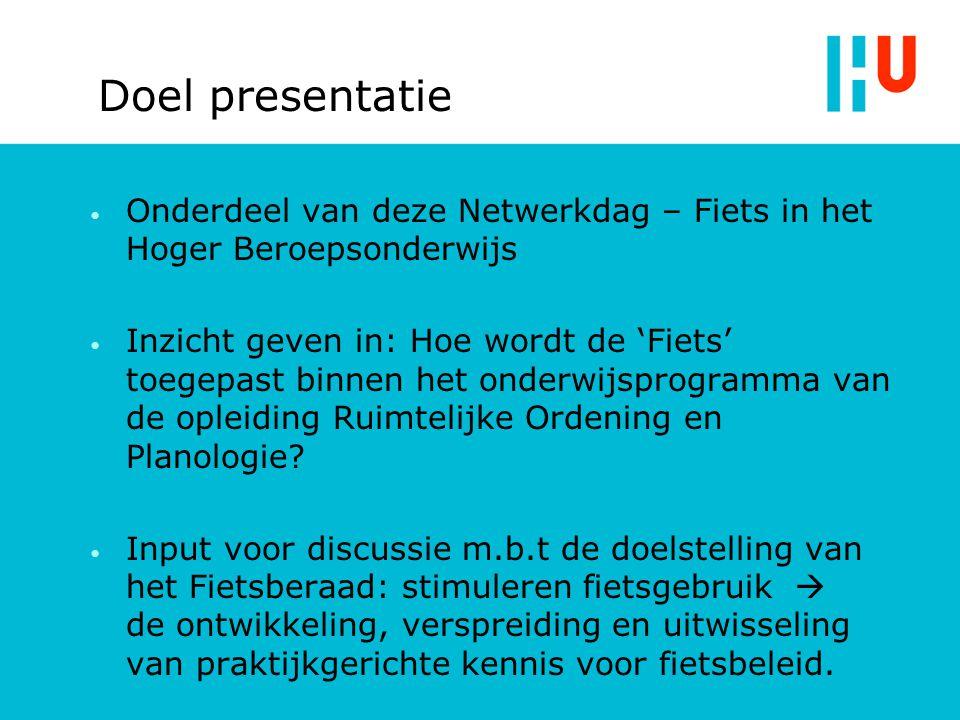 Voorbeeld projecten van Fietsberaad Plannen te Utrecht (gemaakt door Movares) voor een meerlaagse parkeerstalling voor fietsen boven het busstation.