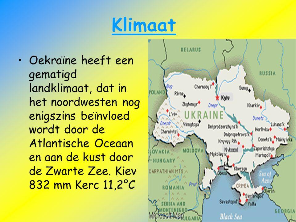 Klimaat Oekraïne heeft een gematigd landklimaat, dat in het noordwesten nog enigszins beïnvloed wordt door de Atlantische Oceaan en aan de kust door d