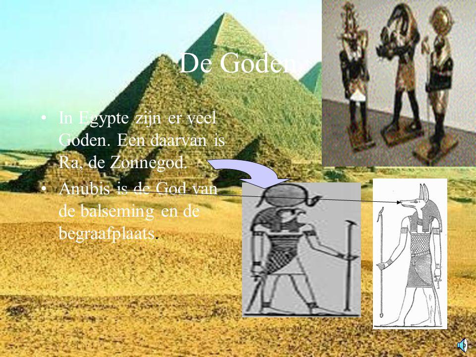 De Goden In Egypte zijn er veel Goden.Een daarvan is Ra, de Zonnegod.