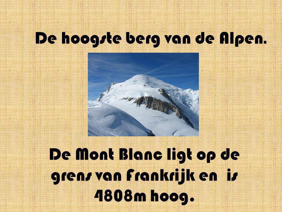 De hoogste berg van Europa. De Elbrus is de hoogste berg in Europa en is 5642m hoog.
