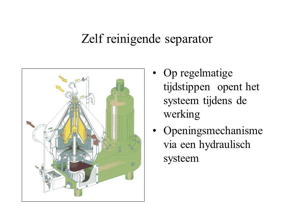 Centrifugale separatie Continue scheiding tussen twee vloeistoffen met een verschillende dichtheid Voeding wordt toegevoegd ter hoogte van de scheidin