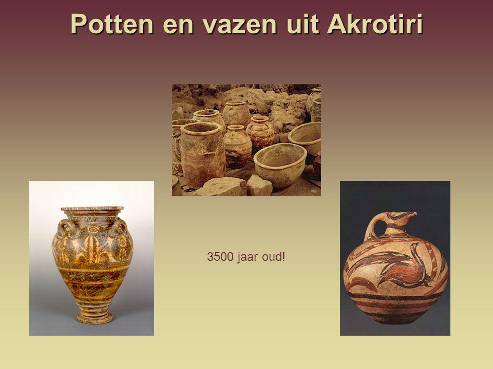 Potten en vazen uit Akrotiri 3500 jaar oud!