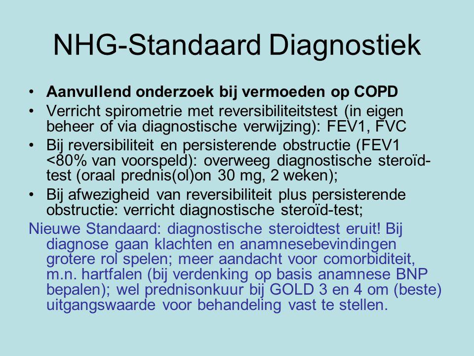 NHG-Standaard Diagnostiek Aanvullend onderzoek bij vermoeden op COPD Verricht spirometrie met reversibiliteitstest (in eigen beheer of via diagnostische verwijzing): FEV1, FVC Bij reversibiliteit en persisterende obstructie (FEV1 <80% van voorspeld): overweeg diagnostische steroïd- test (oraal prednis(ol)on 30 mg, 2 weken); Bij afwezigheid van reversibiliteit plus persisterende obstructie: verricht diagnostische steroïd-test; Nieuwe Standaard: diagnostische steroidtest eruit.