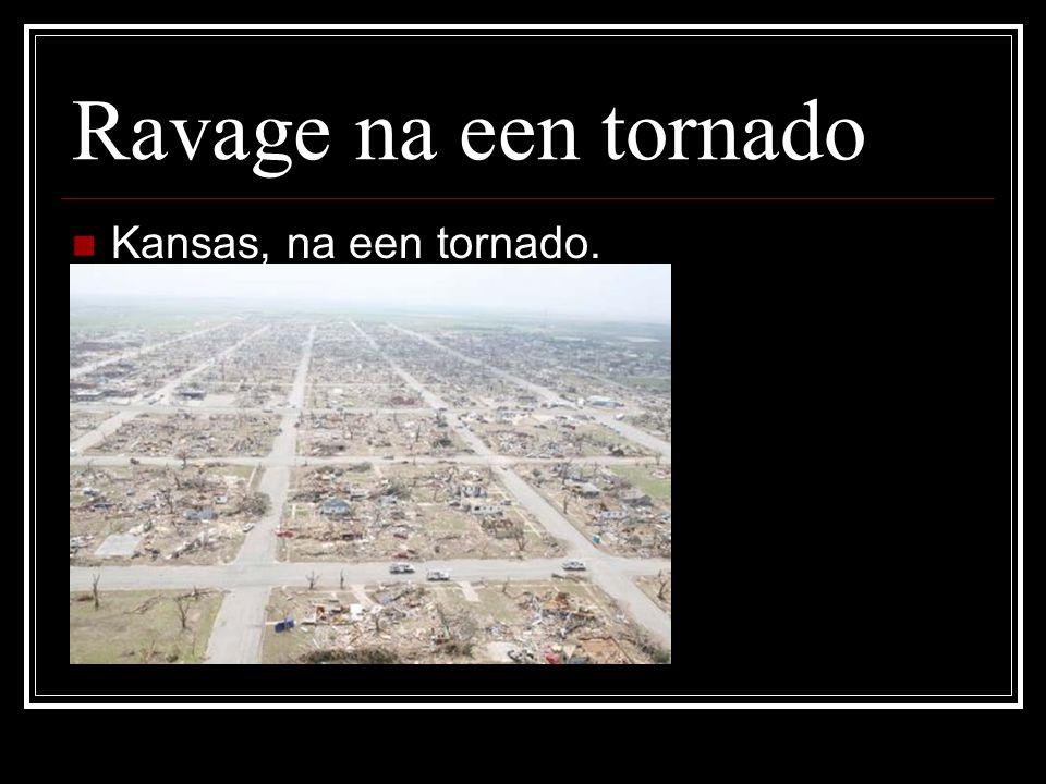 Ravage na een tornado Kansas, na een tornado.
