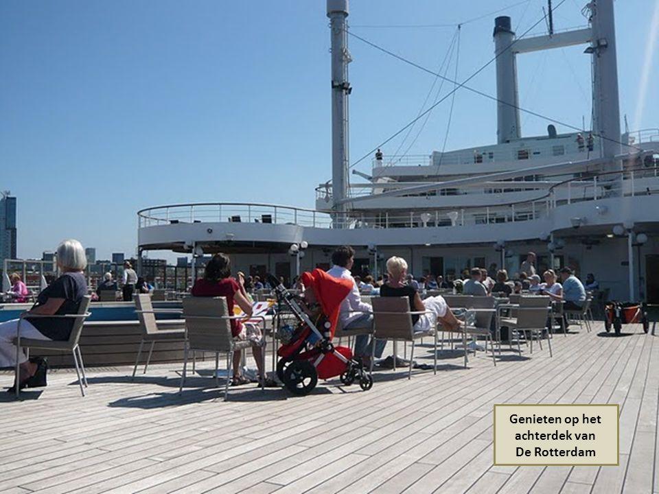 SS. De Rotterdam omgebouwd tot hotelschip
