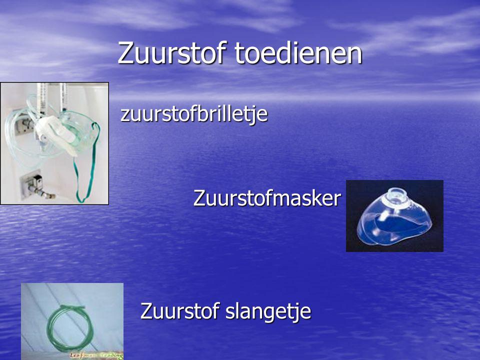 Zuurstof toedienen zuurstofbrilletje zuurstofbrilletje Zuurstofmasker Zuurstofmasker Zuurstof slangetje Zuurstof slangetje