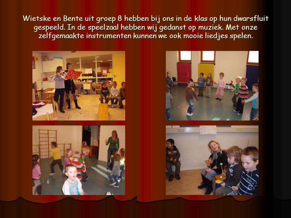 Wietske en Bente uit groep 8 hebben bij ons in de klas op hun dwarsfluit gespeeld. In de speelzaal hebben wij gedanst op muziek. Met onze zelfgemaakte