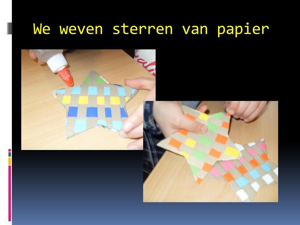 We weven sterren van papier