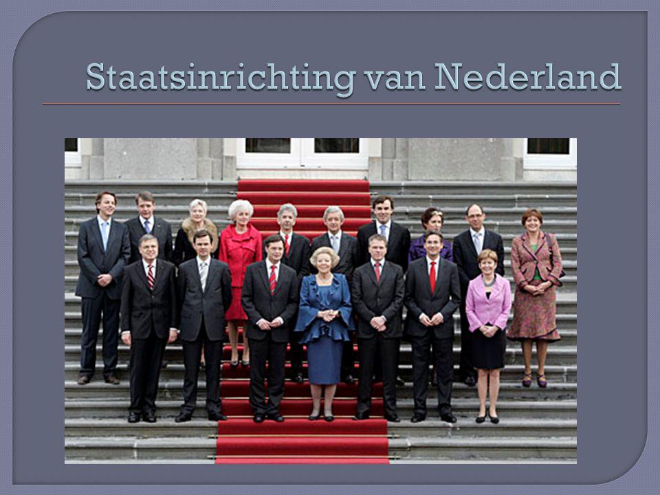 Regering = Kroon = koningin + ministers Ministerraad= ministers o.l.v.