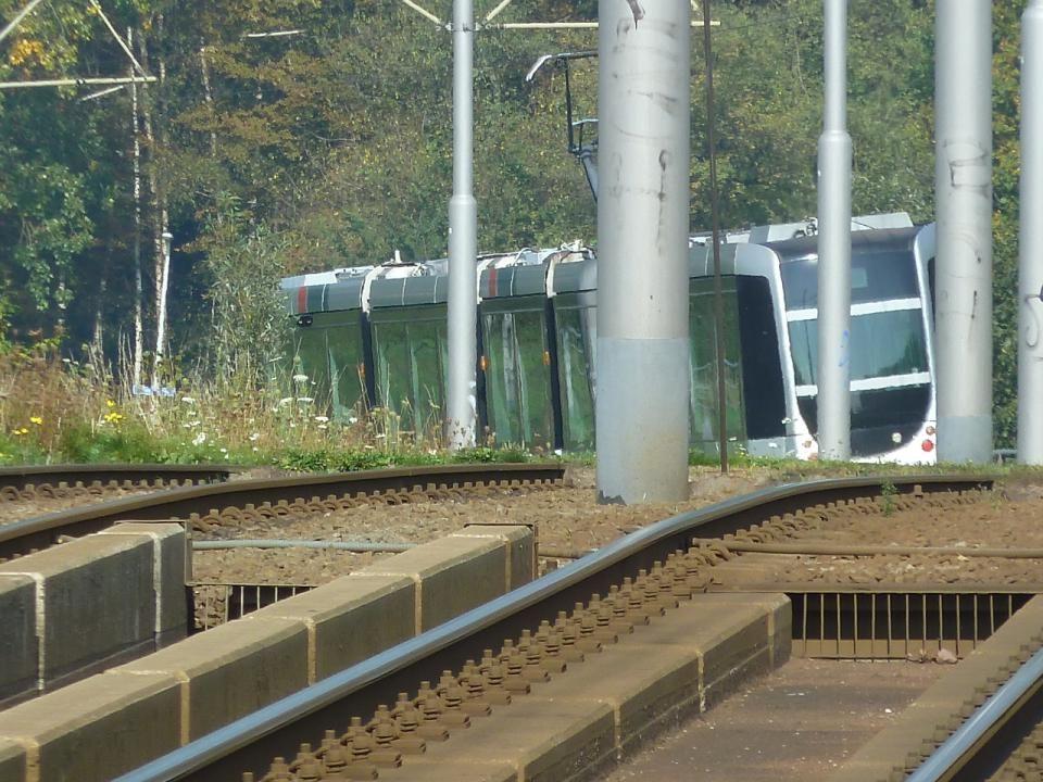 Tram lijn 25 Carnisselande (Barendrecht) – Wilgenplaslaan (Schiebroek) via Centraal Station