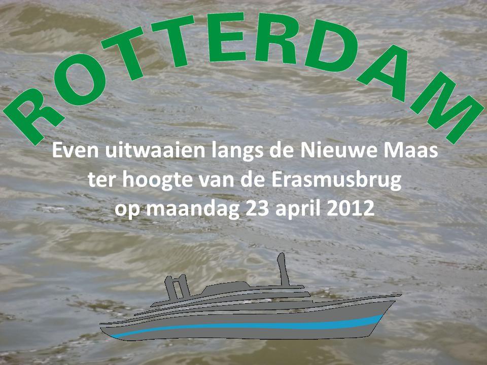 Even uitwaaien langs de Nieuwe Maas ter hoogte van de Erasmusbrug op maandag 23 april 2012