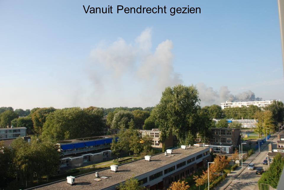 Maandagmiddag 30 september 2013 Brand bij voormalig AVR (Afvalverwerkingsfabriek) en toekomstig Pretpark Speelstad Rotterdam aan de Brielselaan Rotterdam-zuid Vanuit Pendrecht gezien
